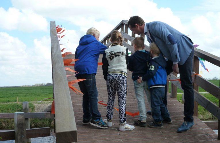 Opening dorpsommetje Niezijl